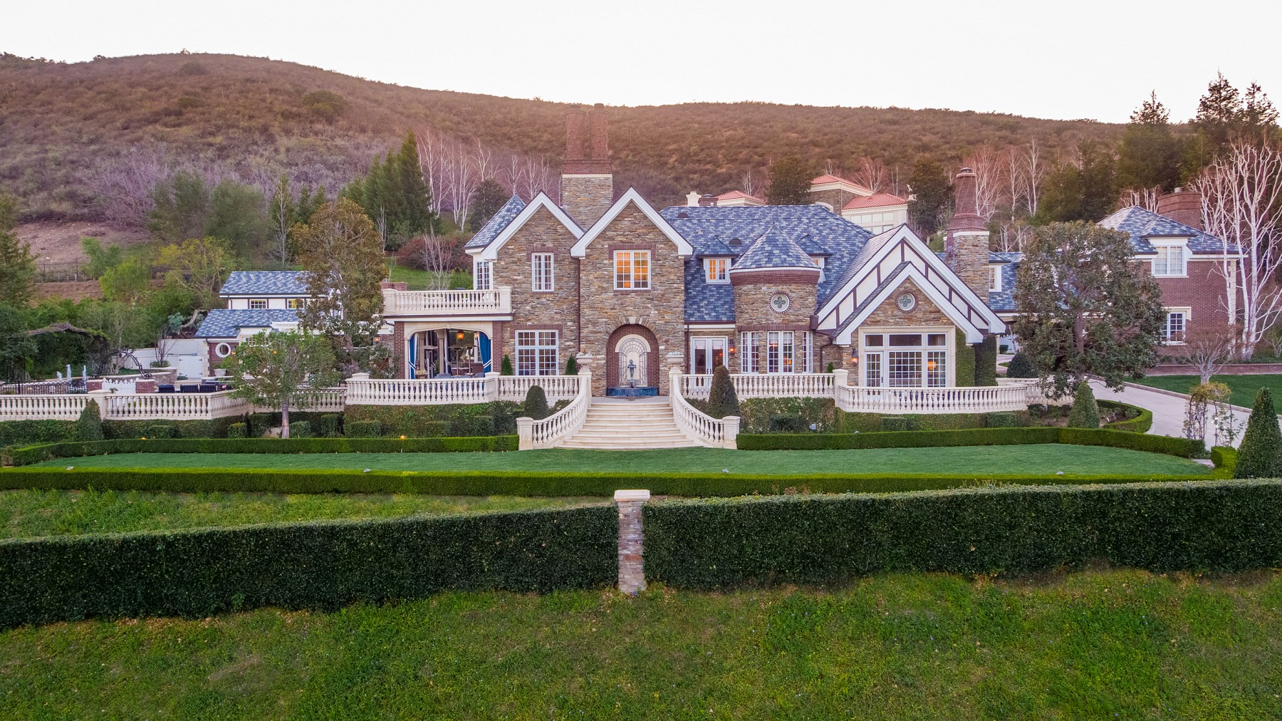 The Miz & Maryse Buy A $6.4 Million Mansion In California