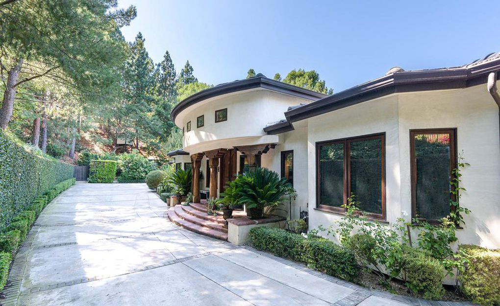 Forest Whitaker Re-Lists His Hollywood Hills Compound