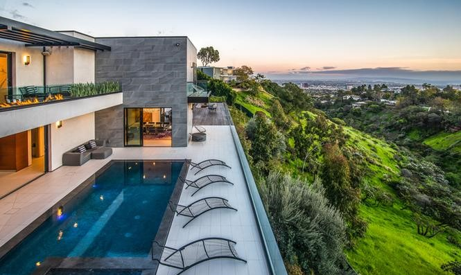 Kelly Coffey Buys Stunning Brentwood Mansion