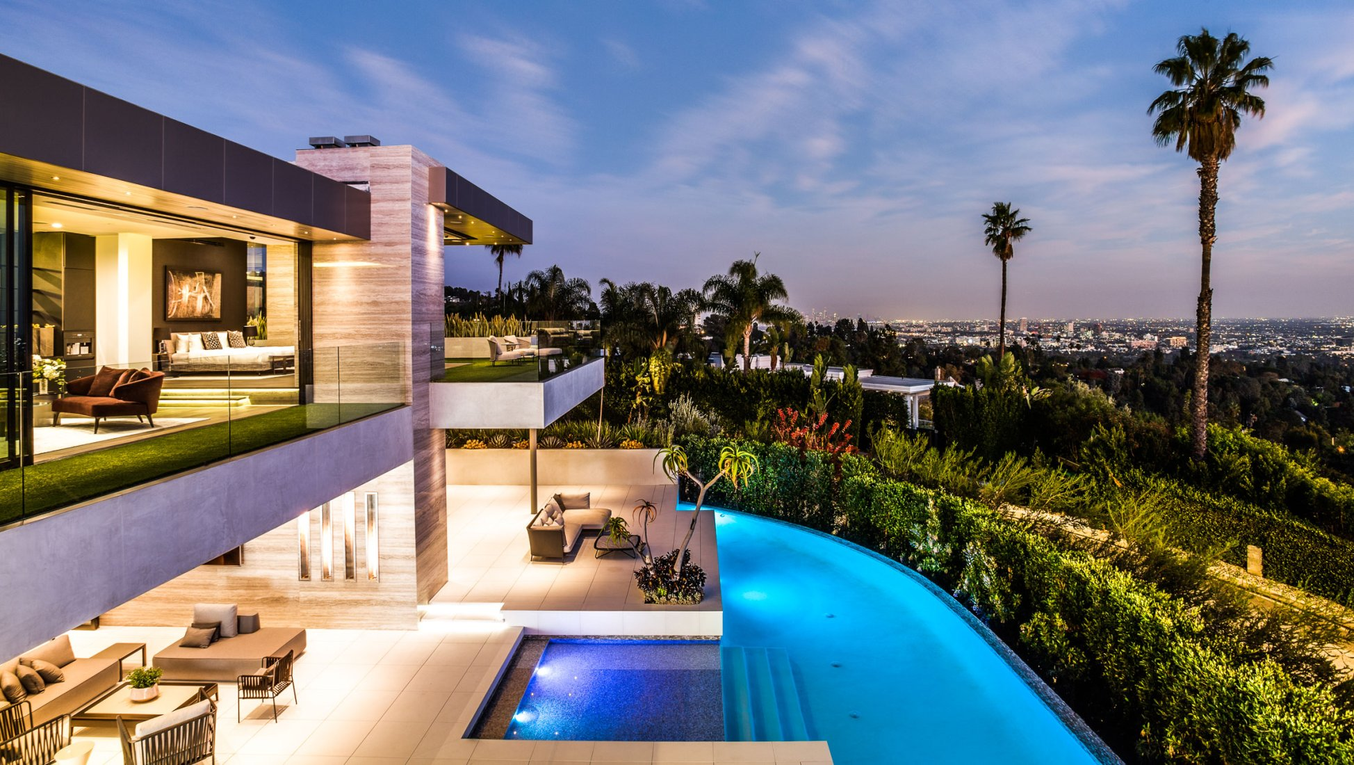 YouTube's Jaclyn Hill Settles Into $20 Million Rental Mansion