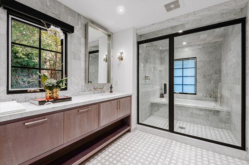 Jeff Lewis Lists Beverly Hills Property Dirt