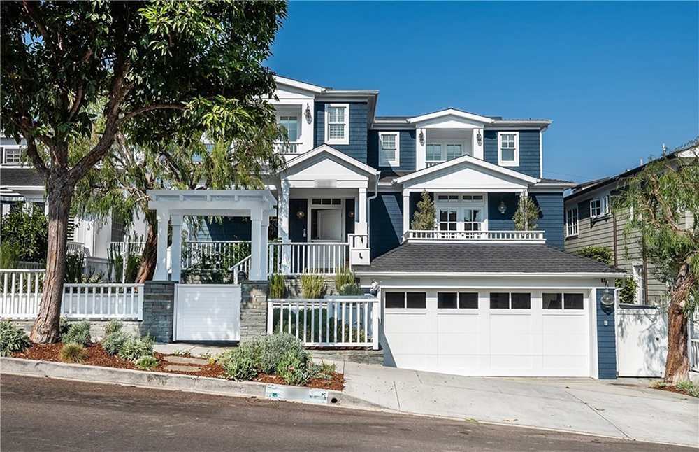 Zooey Deschanel Lists Manhattan Beach Home for $5.975 Million
