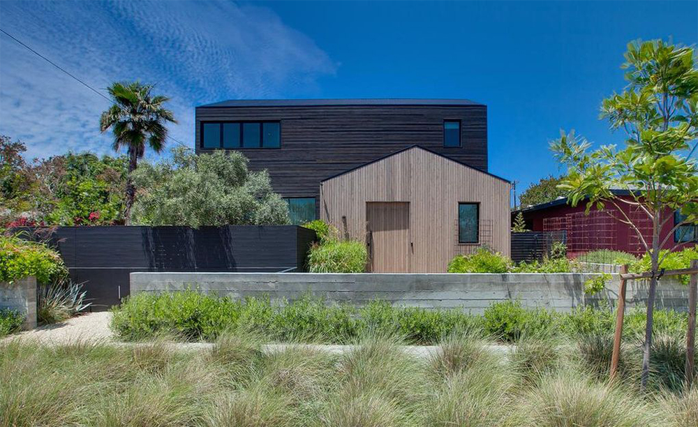 Ken Olin and Patricia Wettig Pick Up Scandi-Modern Venice Home