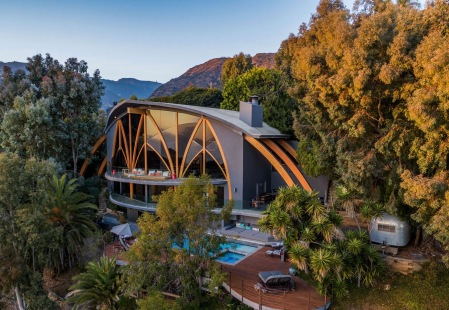 Harry Gesner Ravenseye House Malibu