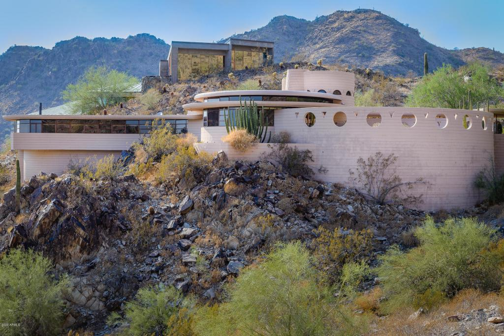 A Jaw-Dropping Frank Lloyd Wright House for Under a Million Dollars? Yes, It Exists